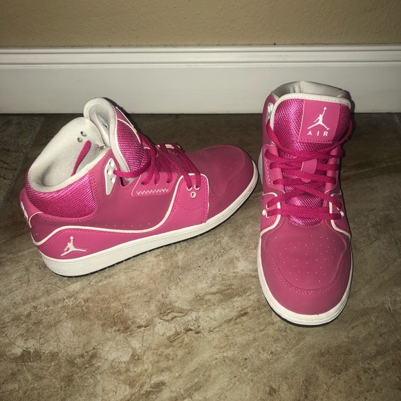 new york 09779 a5a76 Jordan Shoes - Nike Air youth size 5.5